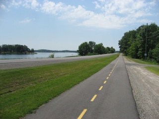 Thousand Islands bicycle path