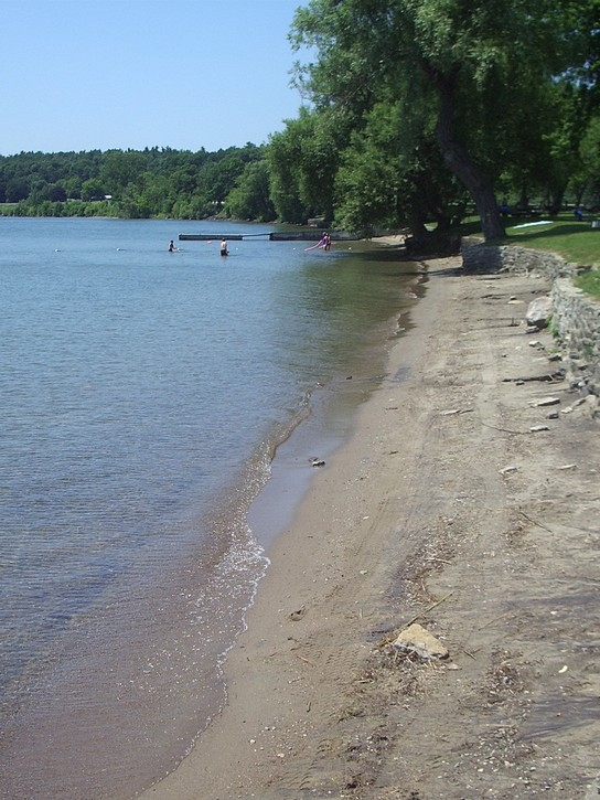 The beach at Brown's Bay Park.