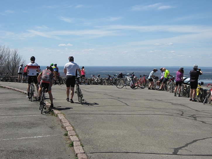 cyclists at the Champlain Lookout