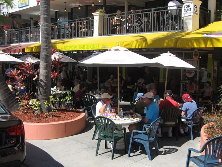 restaurant on St. Armands Circle