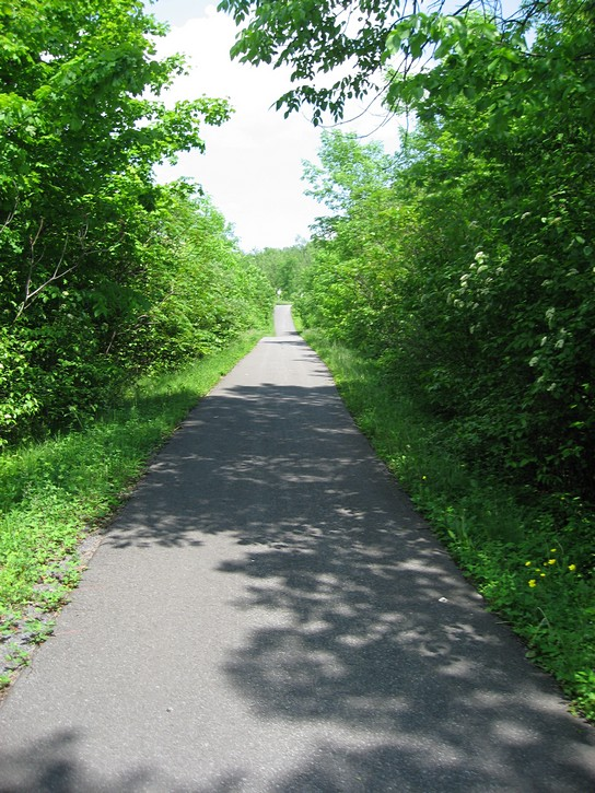 bike path to Cornwall, Ontario