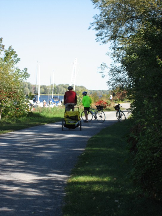 cyclists on the crushed stone pathway