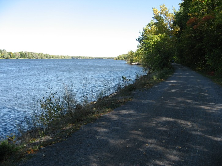 path next to Ottawa River