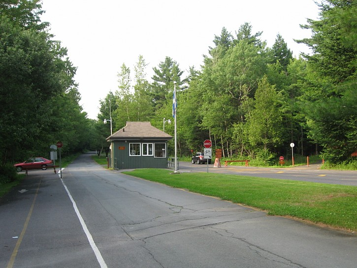 gatehouse for the Parc national de la Yamaska