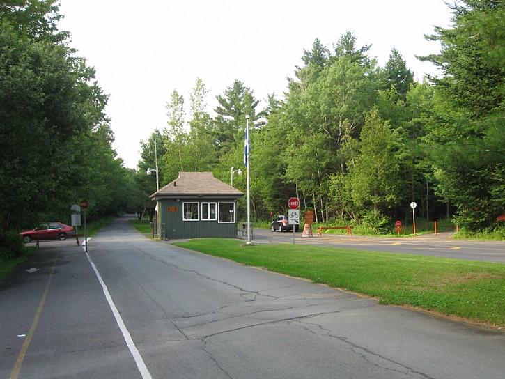 gatehouse for the Parc national de la Yamaska