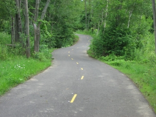 bicycle trail to Bromont.