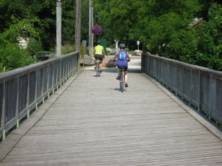 Georgian Trail crosses a bridge in Thornbury