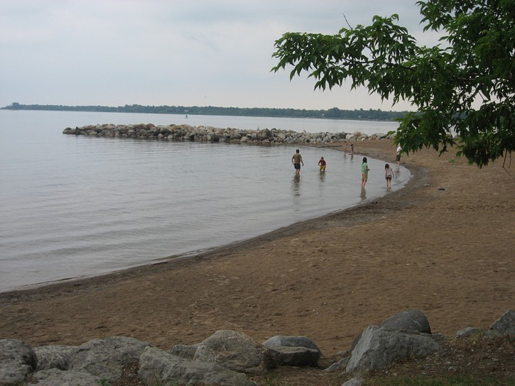 beach next to the Georgian Trail