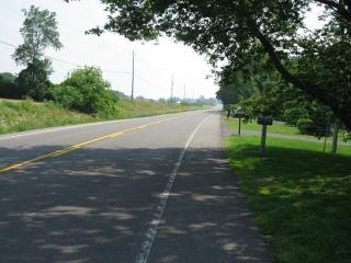 paved shoulder on Highway 33