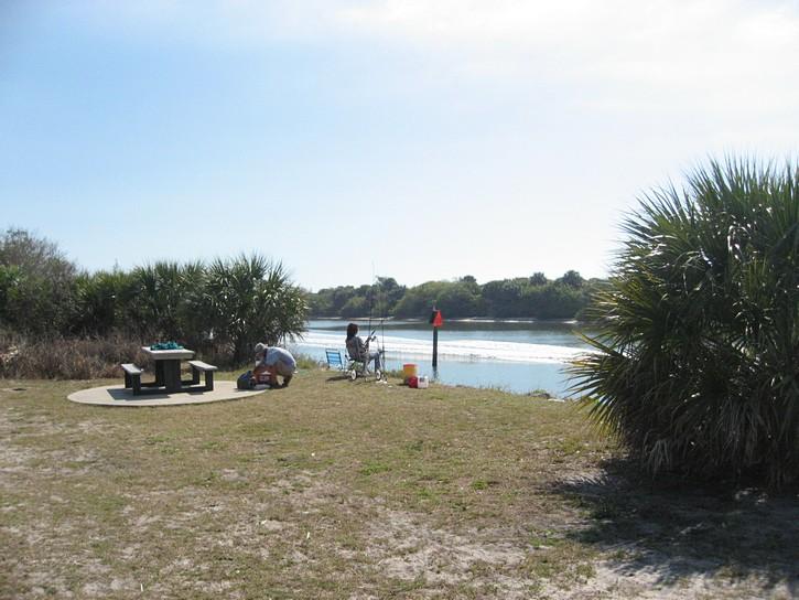 scene on the Venetian Waterway Trail