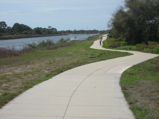 Venetian Waterway Trail next to the ICW