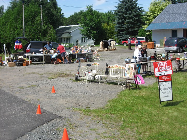 flea market on Highway 132