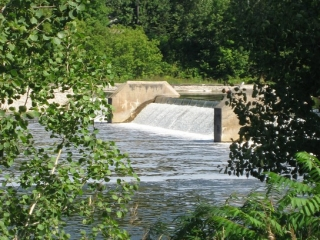 Weir at the Black Rapids lockstation