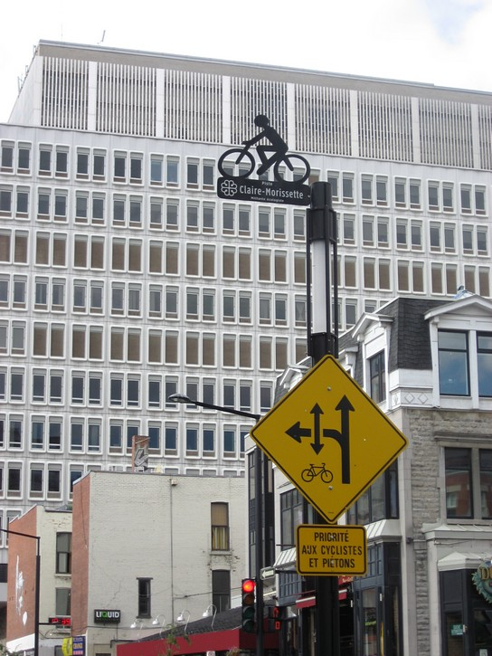 signs for bike lane on De Maisonneuve Boulevard