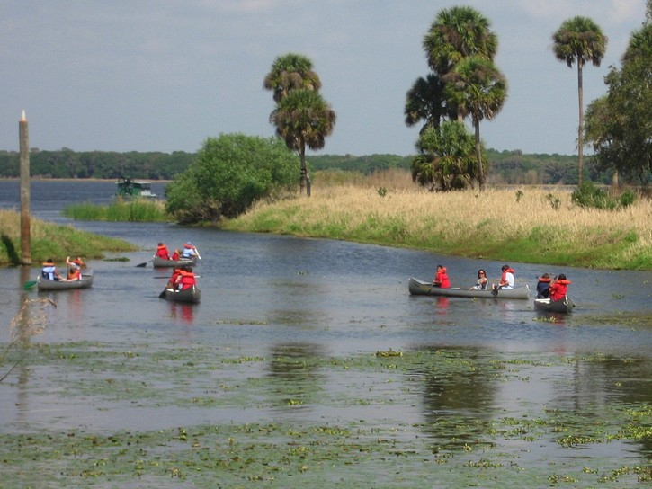 kids paddling out to Lake Myakka