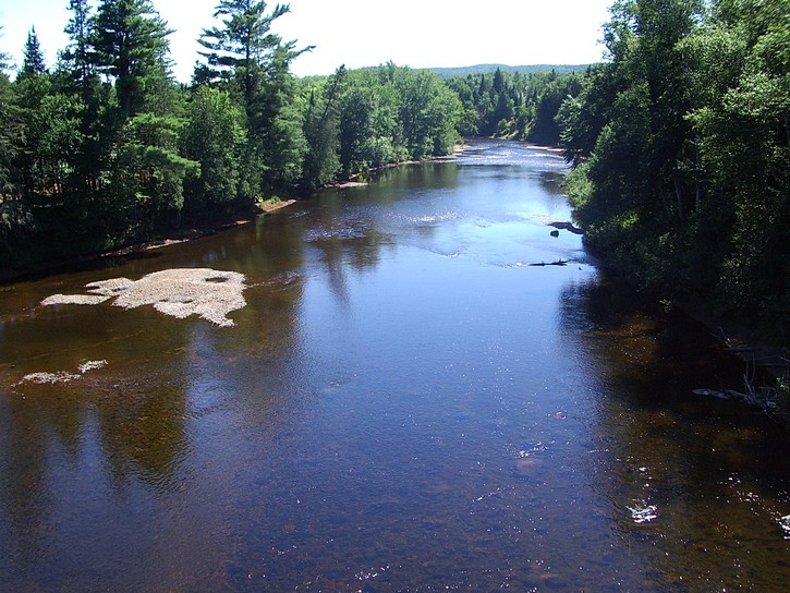 river in Laurentians