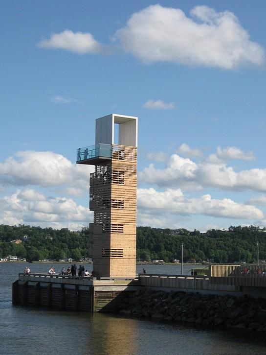 wooden lookout tower Quai des Cageux