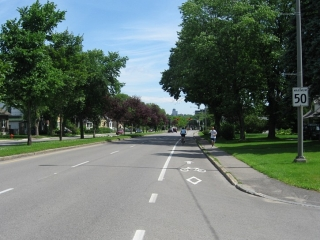 cycling lane on Boulevard Laurier