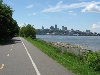 bike path to Levis