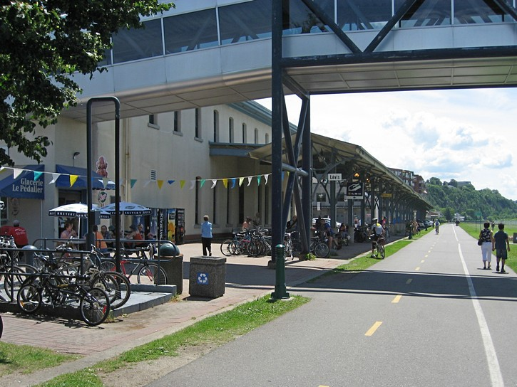 bike path next to the ferry terminal in Levis