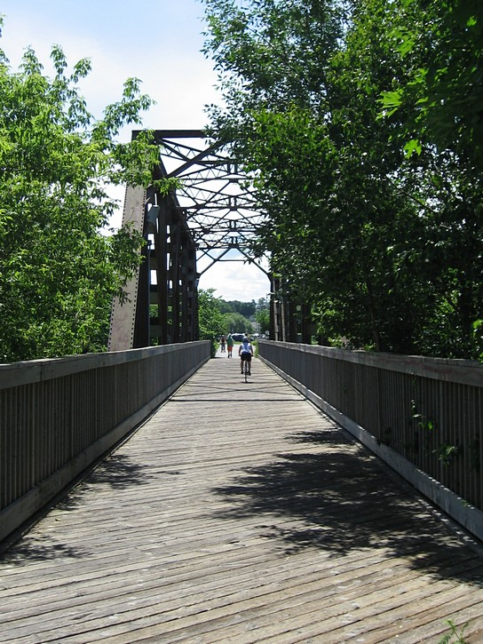 bike path over a small bridge near Levis