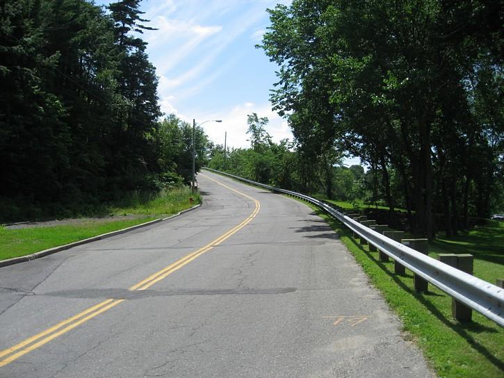 hill on Chemin Du Fleuve