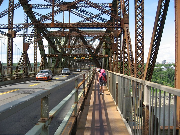 very narrow pedestrian and cycling lane on the Quebec Bridge