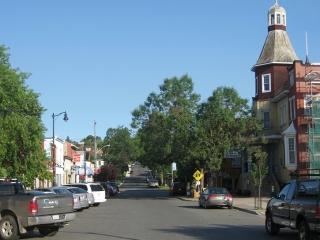 Bay Street in Thunder Bay.